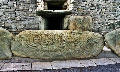 Triskelion em Newgrange